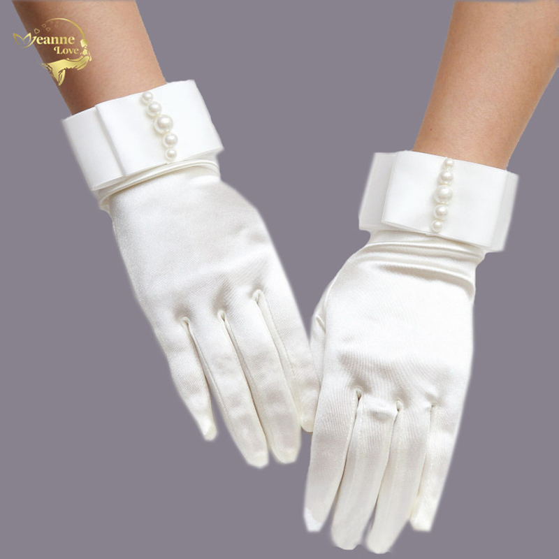 Ivory White Full Fingers Short Wrist Wedding Gloves Pearl Satin Bridal Gloves Outdoor Driving Gloves Bride Wedding Accessories