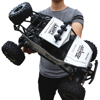28 cm Carro RC 1/16 4x4 4x1 Carro de Condução Motores Duplos Dirigir Carro Bigfoot Modelo de Carro de Controle Remoto Veículo Off-Road Toy XNUMX