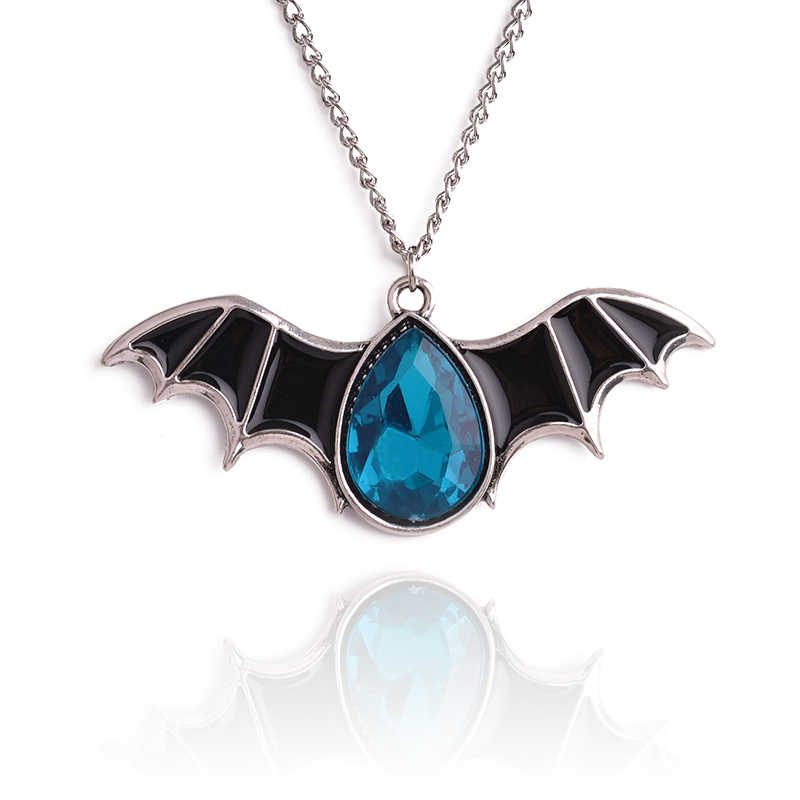 New Halloween necklace is decorated with bat tri-color retro ornaments