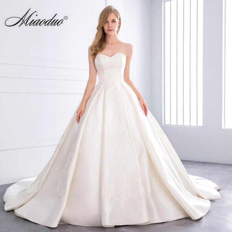 Atemberaubend Hochzeitskleid Züge Bilder - Brautkleider Ideen ...