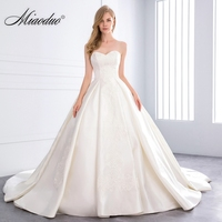 Miaoduo 2018 Sweetheart Ball Gown Satin Wedding Dress Pearls Lace Appliques Vestido De Novias Princess Luxury Cathedral Train