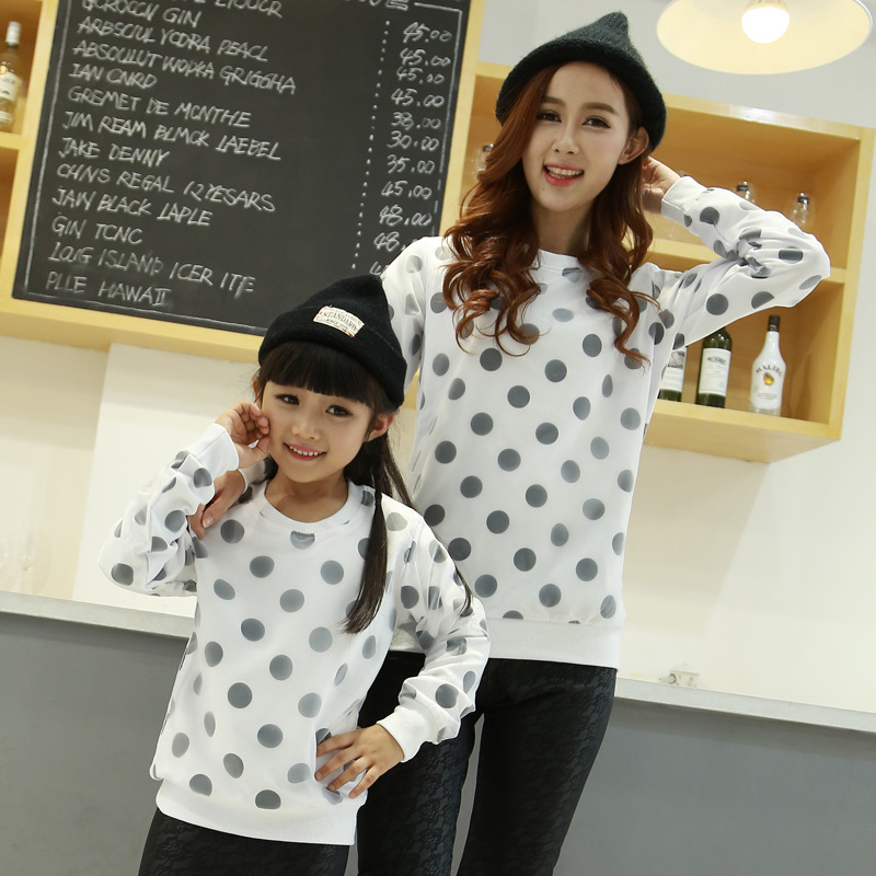 Family fitted spring 2016 matching mother daughter clothes long sleeve warm Sweatshirts Polka Dot t-shirts Winter Fall