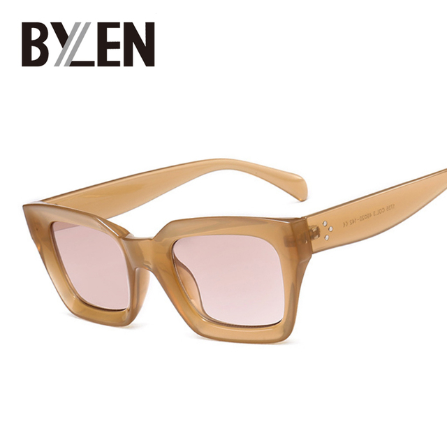 970f81275b0344 BYLEN Platz Kleine Retro Sonnenbrille Frauen Cat Eye Marke Designer  Sonnenbrille 90 s Damen Niet Klar Shades Brillen UV400