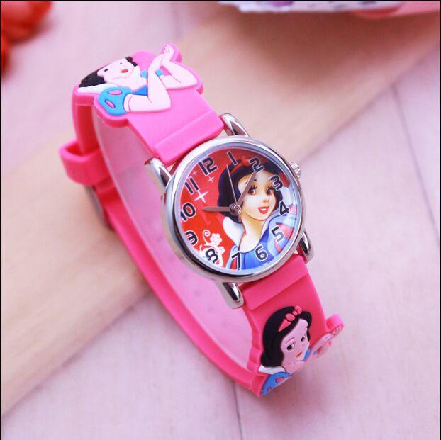 c4cc033f4da Venda quente crianças Princesa bonito mostrador do relógio de quartzo  Branca de Neve Menina do Presente da Festa de Aniversário Dos Desenhos  Animados para ...