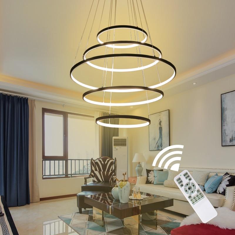 שחור / לבן צבע תליון תליון מודרני לסלון חדר אוכל 4/3/2/1 מעגל טבעות אקריליק גוף אלומיניום תאורת LED
