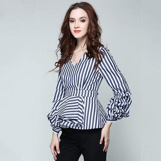 b493f44ce3 TOP QUALITY Newest Fashion 2017 Runway Designer Top Blouse Women s V-neck  Lantern Sleeve Ruffle