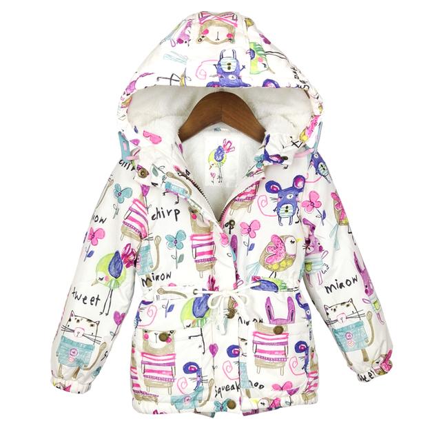 2016 Nuevo Invierno ropa de niños de Graffiti estilo Parkas calientes chicas chaquetas y abrigos 2-8 T Del Bebé Con Capucha prendas de abrigo y abrigos esquimales