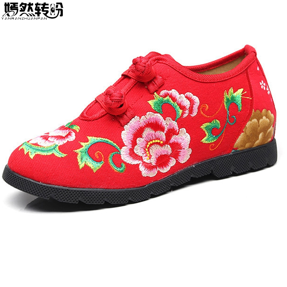 2018 New Chinese Women Flats Canvas Floral Embroidery Casual Cotton Cloth Platforms Shoes Woman Sapato Feminino wegogo canvas women casual shoes embroidery national casual flat shoe embroidered travel shoes flats sapato feminino bordado