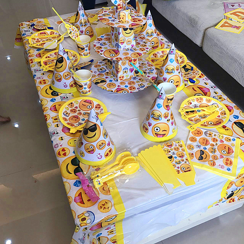 135pcs Disposable Tableware sets Cute Emoji Theme TableCloth cups Paper plate Napkin Kids Boy Birthday Party Decoration