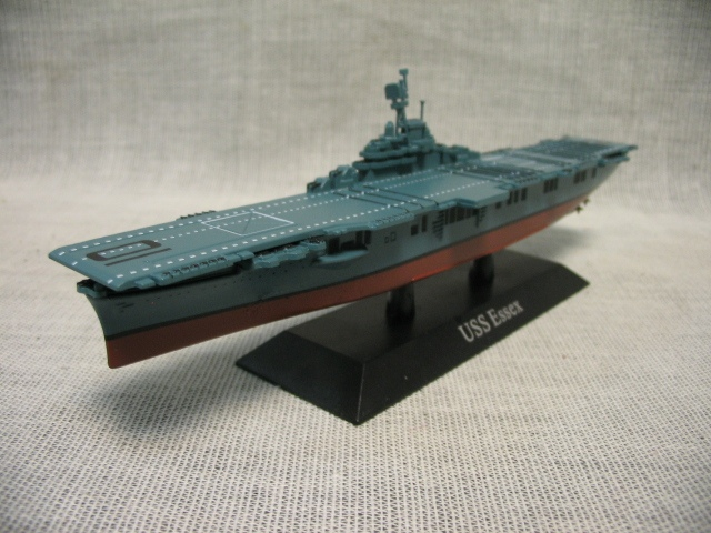Out of print ATLAS 1:1250 World War 2 U.S.A Class Essex aircraft carrier model Mini warship model Rare collection model Only one