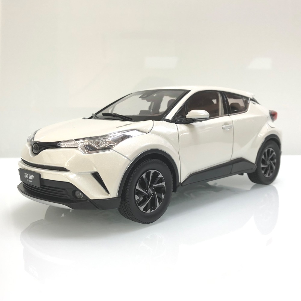 1:18 Diecast Model For Toyota IZOA C-HR 2017 White Alloy Toy Car Miniature Collection Gifts CHR C HR