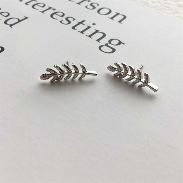 7a86c700b2b GEREIT Trendy Vintage Gold Silver Black Small Leaf Stud Earrings Modern  Beautiful Feather Statement Earrings for Women Brincos