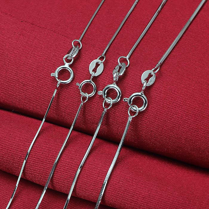 Pure 18K White Gold Necklace 0.6mmW Snake 18L 1.5-2gPure 18K White Gold Necklace 0.6mmW Snake 18L 1.5-2g