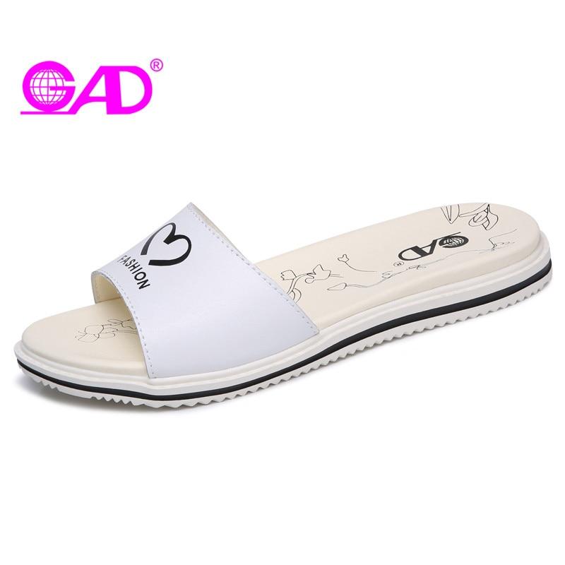 GAD Women Beach Slippers 2017 Summer New Arrival Fashion Graffiti Open Toe Breathable Women Slides Comfortable Flat Shoes Women