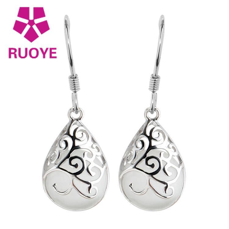 Mode 925 Sterlingsilber Ohrring für Frauen Weißer Mondstein Opal Hohl koreanische Ohrstecker Schmuck oorbellen pendientes