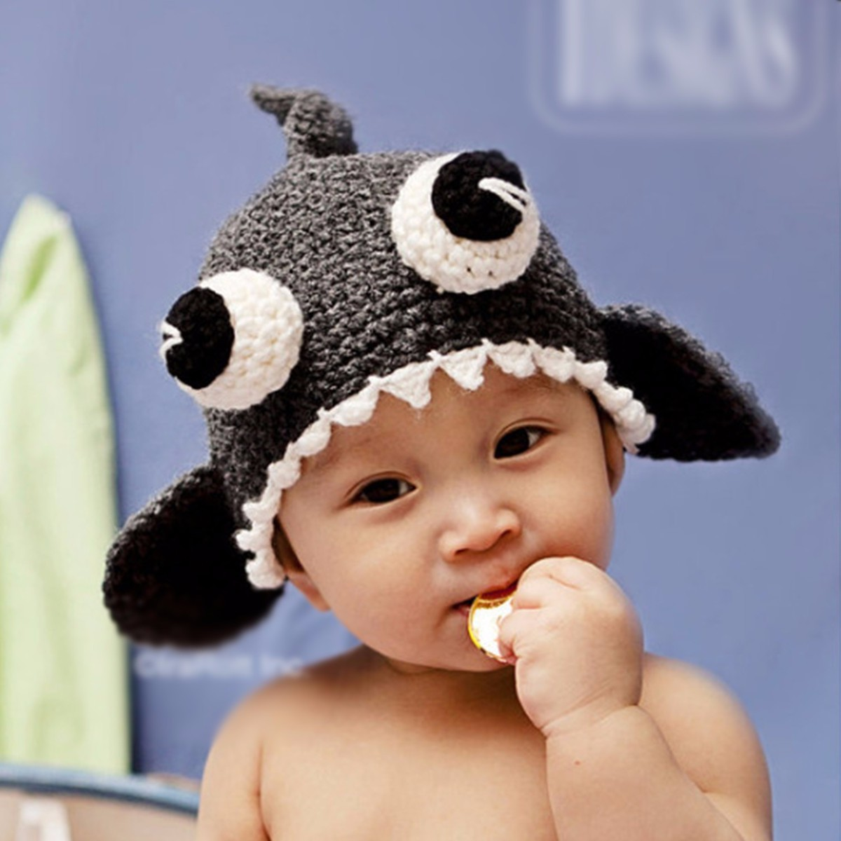 Newborn Halloween Hand Knit Baby Cap Hat Christmas Baby Shower Gifts Baby Crochet Shark Hat Photography Props Novelty Infant Hat
