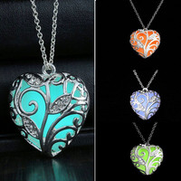 10pc Mixed Colour Heart Luminous Pendent Necklace Fashion Glow In The Dark Hollow Chain Choker Necklace