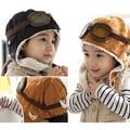 Bebé con orejeras casquillos del cabrito con terciopelo, piloto sombreros niños, tapas de vuelo para el otoño e Invierno de ropa infantil establece regalos
