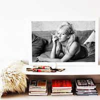 Cuadros Raucht Frau Wand Kunst Drucke und Poster Mädchen Leinwand gemälde Schwarz und Weiß Bilder Für wohnzimmer Dekor für hause