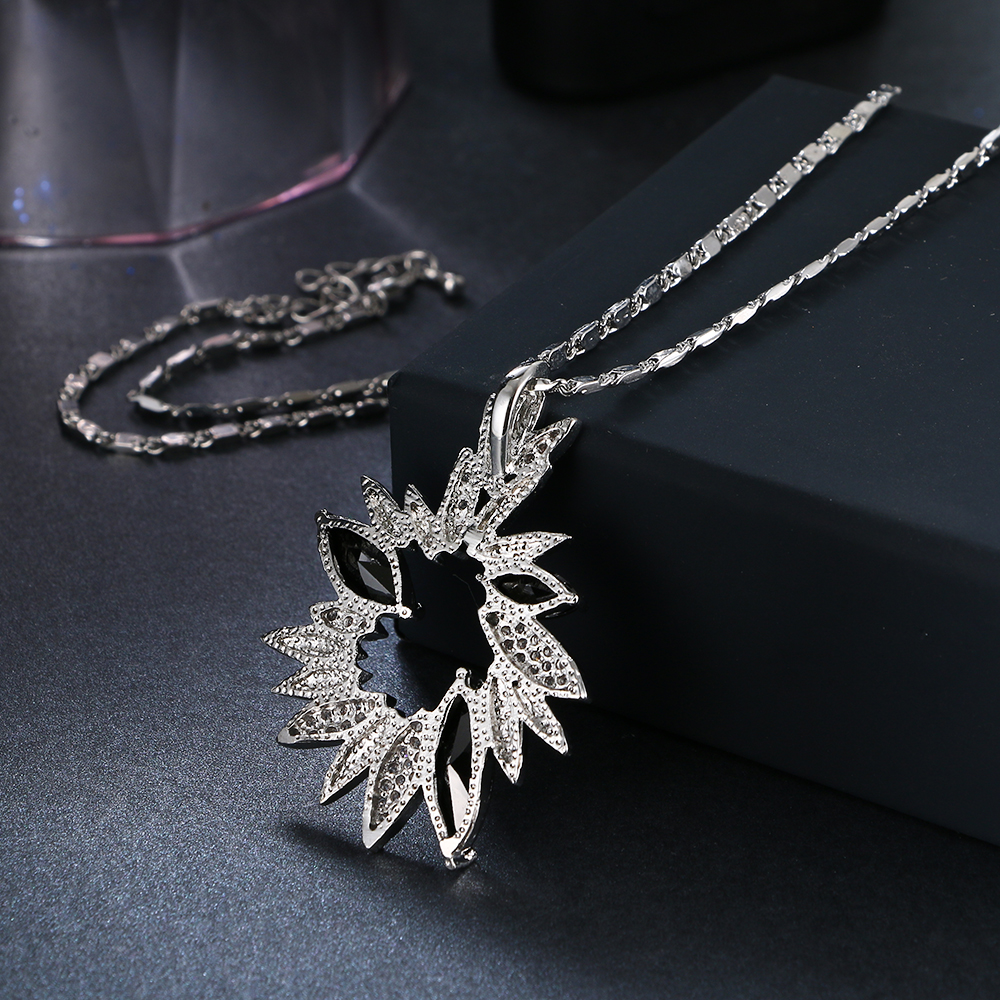 Emmaya luxe fleur cristal pendentifs colliers pour femmes noir strass - Bijoux fantaisie - Photo 4