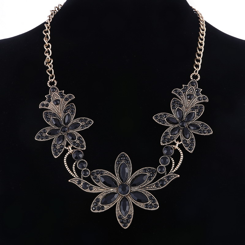 19 Fashion Designer Chain Choker Statement Necklace Women Necklace Bib Necklaces & Pendants Gold Silver Chain Vintage Jewelry 21