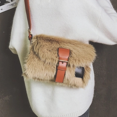 Autumn and winter new large-capacity one-shoulder plush bag wild broadband Messenger bag 3
