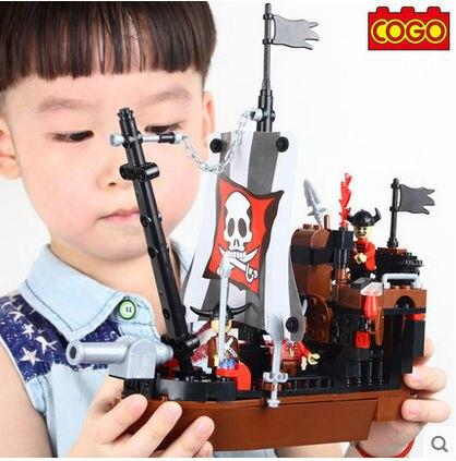 цены  COGO Pirate Series 13118 Pirate Ship 167 pcs Building Block Sets Educational DIY Bricks Toys