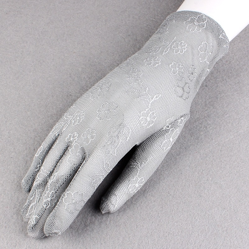 2018 Fashion Sweet Openwork Ladies Lace Gloves Sunscreen Driving Full Finger Women Ceremonial Gloves Party Dance Mittens AGB221