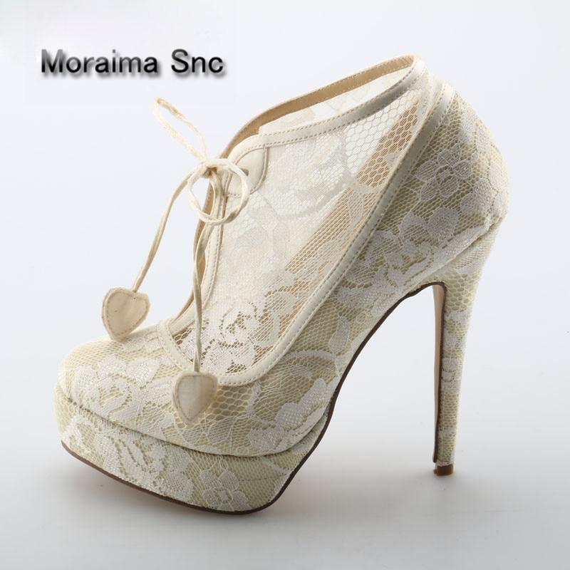 Moraima Snc Ladies Elgant Beige Floral Lace Platform Ankle Booties Women Thin High Heels Heart Lace Up Short Boots Bride Shoes недорого