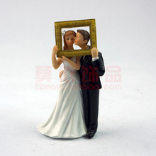 Wedding Favor Groom Bride photo frame Sweet Hug Romantic Love Couple Figurine European Style Cake Toppers Decor