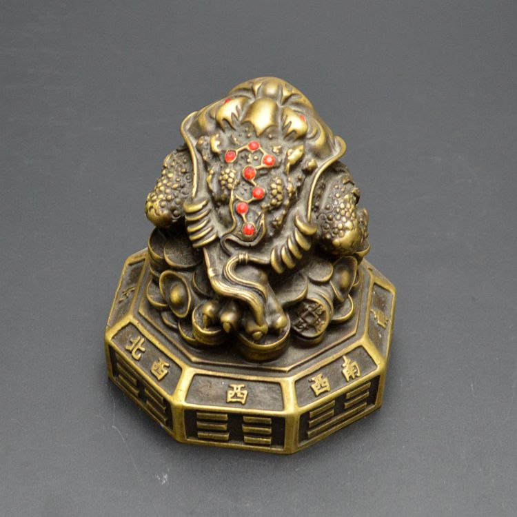 A copper toad Zhaocai cicada entrance decoration ornaments gossip toad business gifts