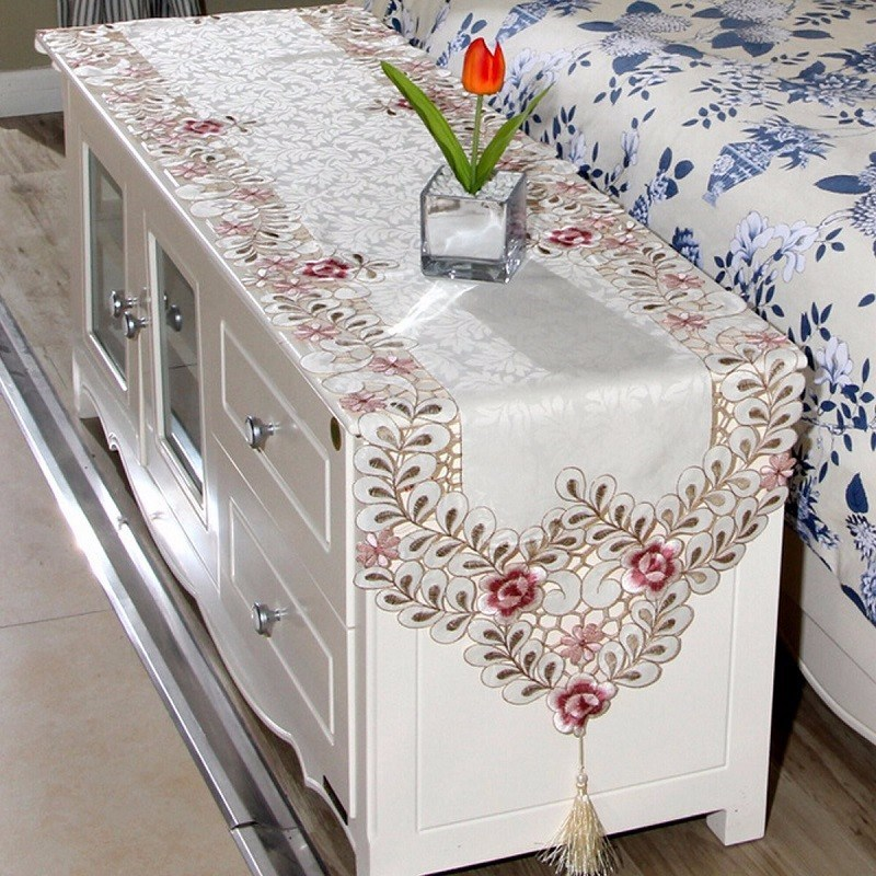 Simple Embroidery Cloth Past Dining Table Runner European Art Bed Flag Tv Cabinet Cloths Cover Special Cup Mats Home Textile