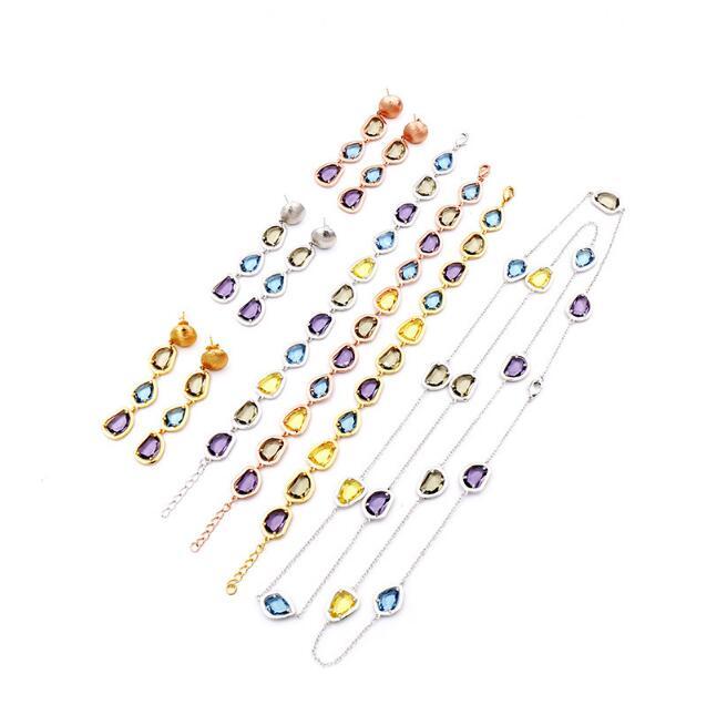 2017 nouveau haut de gamme long style collier bijoux couleur cristal chandail chaîne pour femmes vêtements accessoires ne se fanent jamais