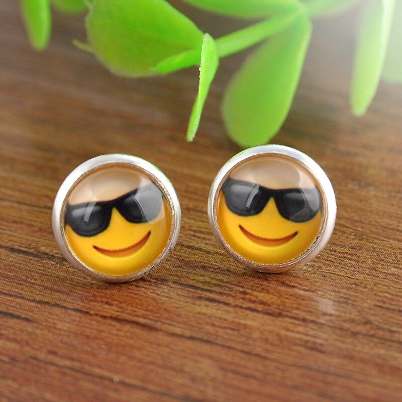 Hot Divertido Vidrio Emoji Cabochon Stud Pendientes Para Las Mujeres Joyería de