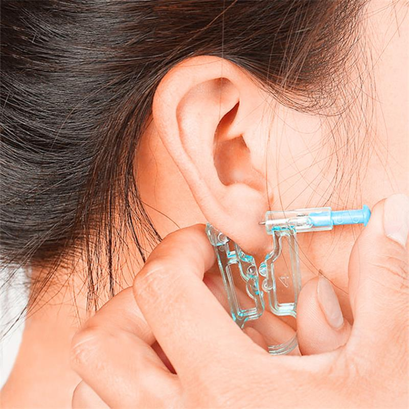 One-Time Sterile  Manual Ears Pierced Gun Healthy Safety Disposable Nose Ear Piercing Kit Beauty Tool Piercing Gun Alcohol Swab