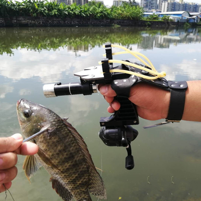 Hunting Fishing Set Slingshot Hunting Catapult Suit Outdoor Shooting Fishing Reel Dart Left Handguard Rubber Tube Flashlight