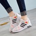 Nuevo 2017 Planos de La Manera de Las Mujeres Entrenadores Transpirable Deporte Mujer Zapatos Casuales Caminar Al Aire Libre Mujeres de Los Planos de Zapatillas Mujer