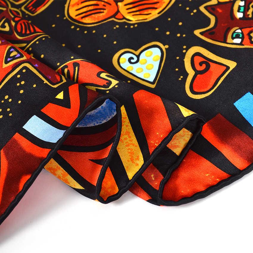 [BYSIFA] Sciarpa Di Seta Delle Donne, Nero, Rosso E Rosso Bianco di Disegno del Gatto Grande Piazza Sciarpe Stampate Autunno Inverno Hijab 100% Puro Della Sciarpa Del Capo