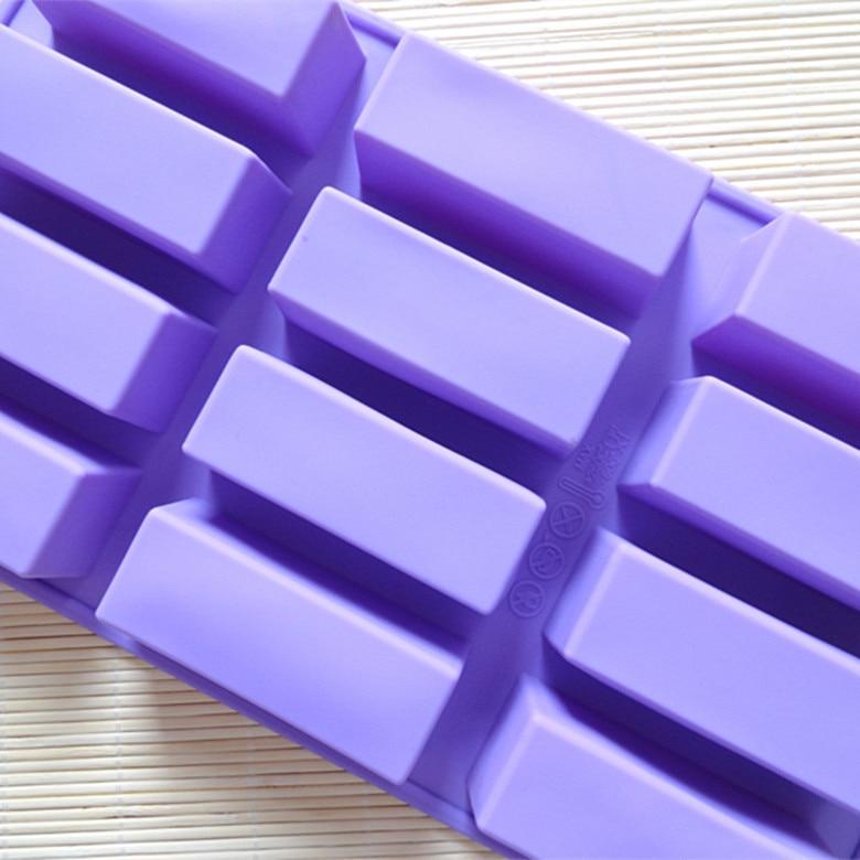 Profesionāli izgatavoti visu veidu roku darbs 12 pat taisnstūra SOAP pelējuma 7.5 * 2.5 * 3CM