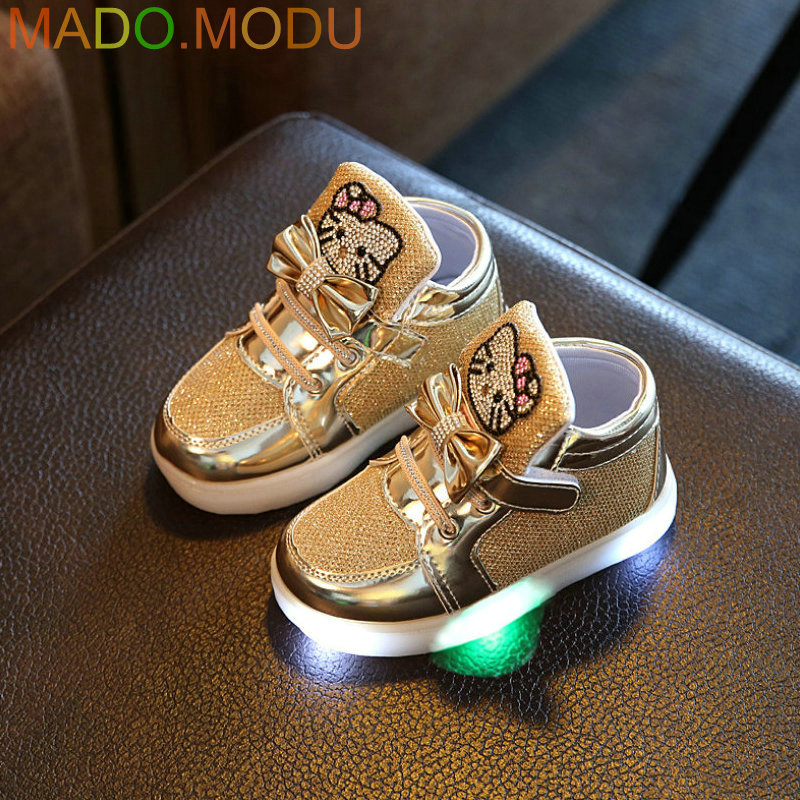 Kids-Casual-Lighted-Shoes-2017-New-Brand-Girls-Glowing-Sneakers-Children-KT-Cats-Shoes-With-Led-Light-for-Baby-Girl-Lovely-Boots-1