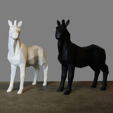 Geometric White/ Black Horse/ Giraffe Ornaments Cabinet TV Family Decorative Pop Art Craft Ornament Resin Crafts Love Gift
