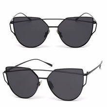 Women Cat Eye Sunglasses / Classic / Designer