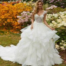 Waulizane Vintage V-Neckline A Line Wedding Dresses With Delicated Bust Lace And Puffy Skirt Gown