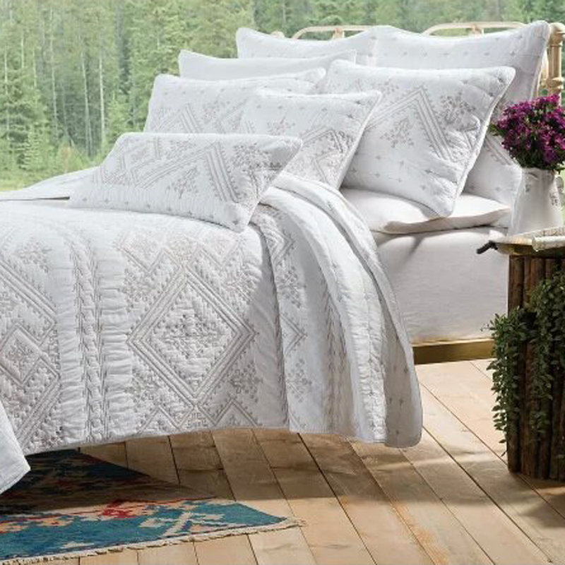 European Luxury bedspread 3pcs embroidery quilt cotton
