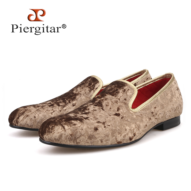 Piergitar 2018 New special - handcrafted brown flower print men velvet shoes party and wedding men's loafers fashion men's flats new total english starter workbook with key cd