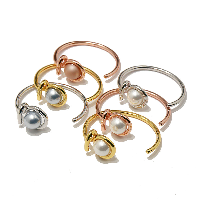 Simple C Shape Opening Size Women Pearl Bangle New Fashion Copper Metal Grey Shell Bracelet &Bangle Birthday Gift Jewelry