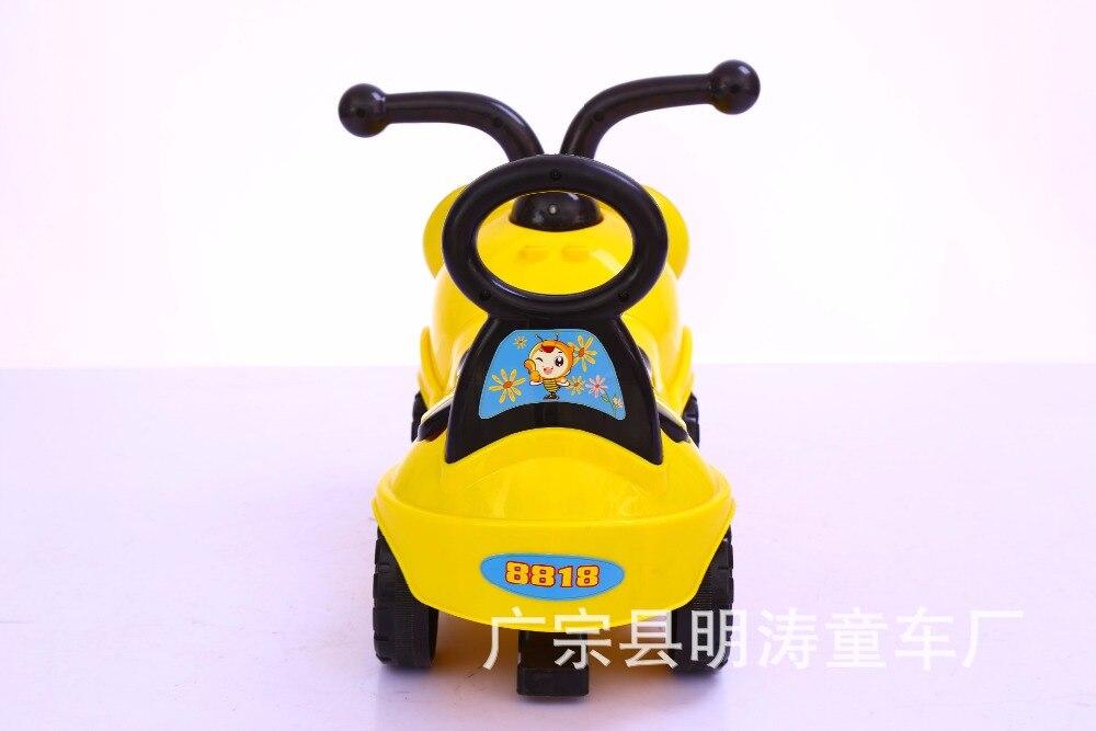 New Cartoon Bee Children scooter four-wheeled yo car with music Twist car swing car walker
