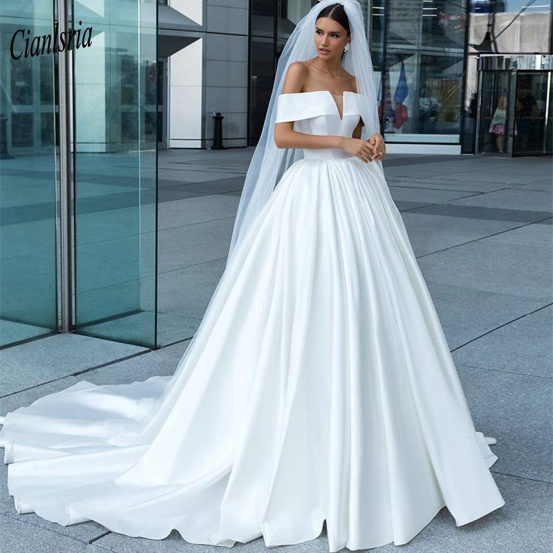 Gorgeous 2019 Simple Satin Country Wedding Dresses Boat Neck Off Shoulder Long Plus Size Custom Made Wedding Dress