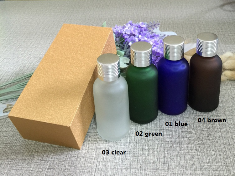 4pcs 30ml High-grade frosted essential oil bottle with wooden box packing silver cap glass bottle,lotion cosmetics powder jar cosmetics 50g bottle chinese herb ligusticum chuanxiong extract essential base oil organic cold pressed