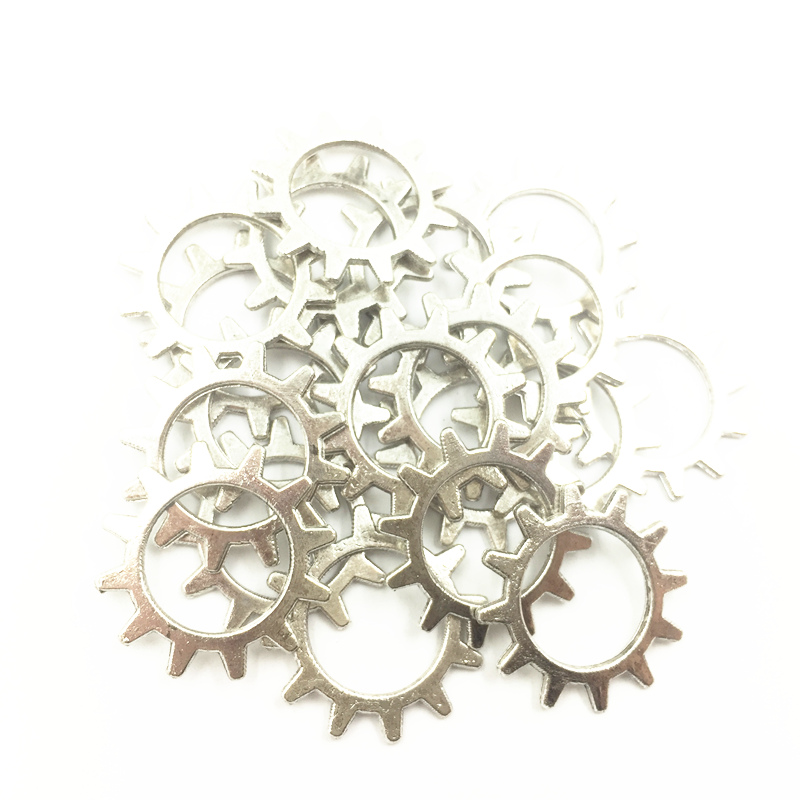 50Pcs Silver Tone Pendants Round Gearwheel Metal Craft Fashion Jewelry DIY Findings Charms 20mm in Pendants from Jewelry Accessories